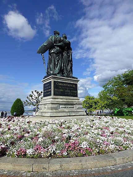 Statue de dos