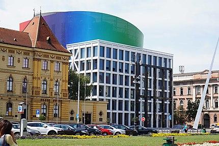 Contraste ancien/moderne à Zagreb
