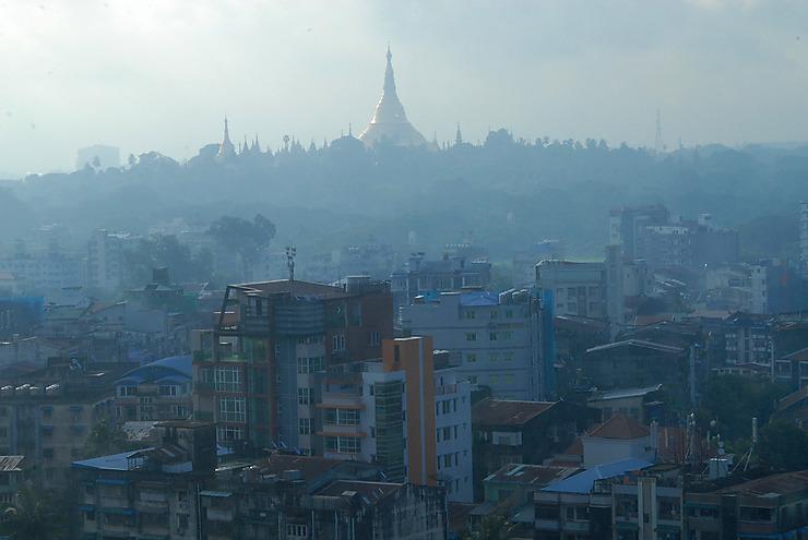 Yangon se dévore comme un roman