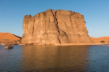 Moul N'aga - Un petit lac dans le désert :)