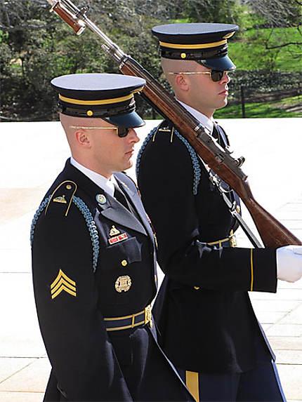Relève de la garde au Soldat inconnu