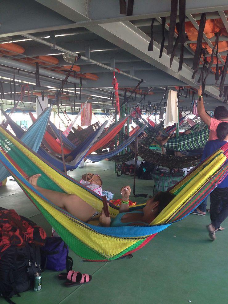6 jours de voyage entre Tabatinga et Santarem ou une croisière sur le long fleuve tranquille de l'Amazonie