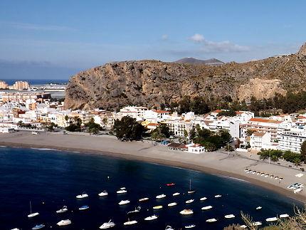 La plage de Calahonda en Andalousie