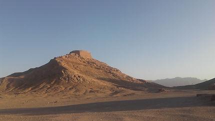 Tours du silence, près de Yazd
