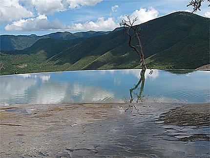 Bassin à Hierve El Agua