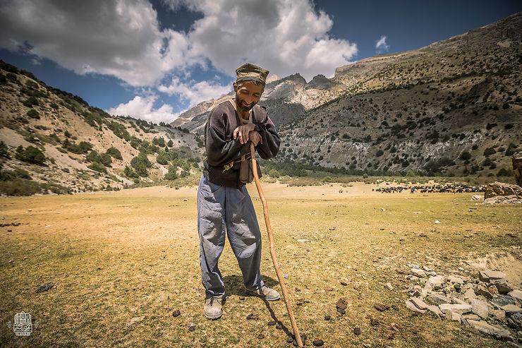 Rencontre avec un berger lors d'un trek dans les Monts Fan, Tadjikistan