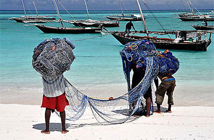 Zanzibar : boutre, clou de girofle et sable blanc