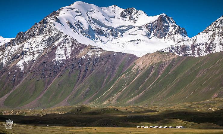 L'imposant Sary Mogol, Kirghizistan