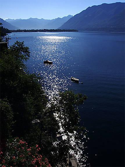 Reflets dans le lac Majeur