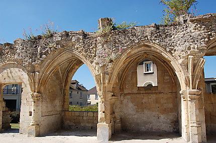 Restes de l'église Saint Gilles
