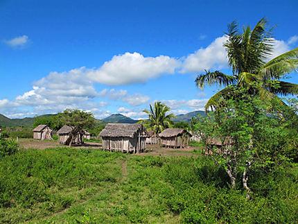 Village sur la route d'Antalaha
