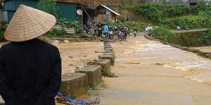 Rivière en crue dans les environs de Sapa