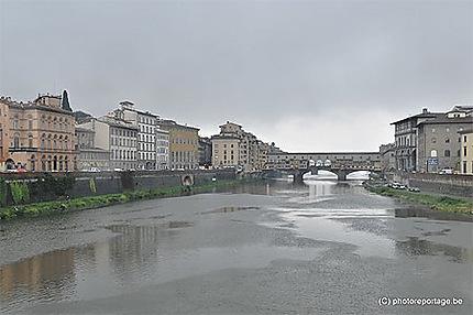 Florence  - Ponte vecchio par temps gris