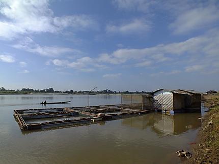 Pisciculture sur le Mékong