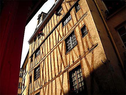 La plus vieille maison de Paris ?