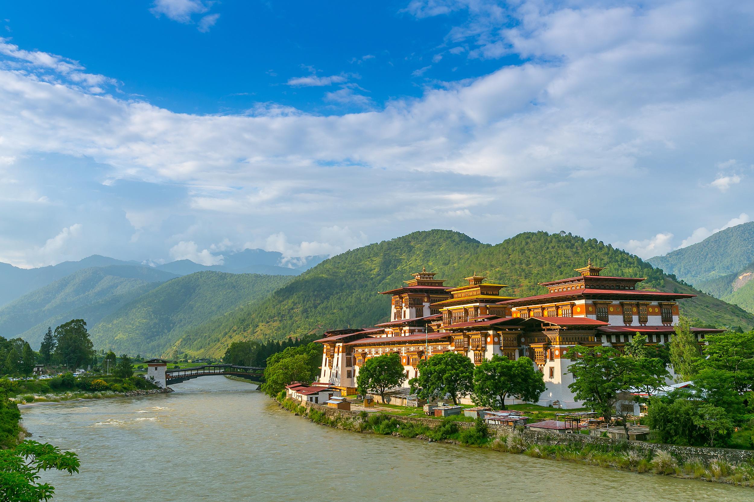 Nepal bhoutan petit futé et le routard // 2 guides eur 6,00.