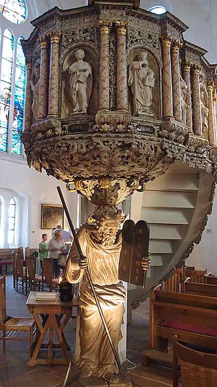 "La chaire dans la ""Nikolaikirche"""