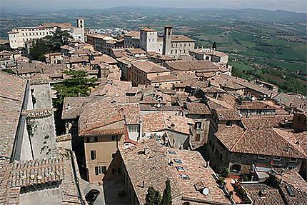 Vue de Todi depuis le Tempio di San Fortunato