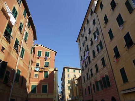 Immeubles très hauts à Camogli