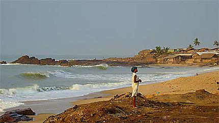 La plage à côté du fort d'Elmina