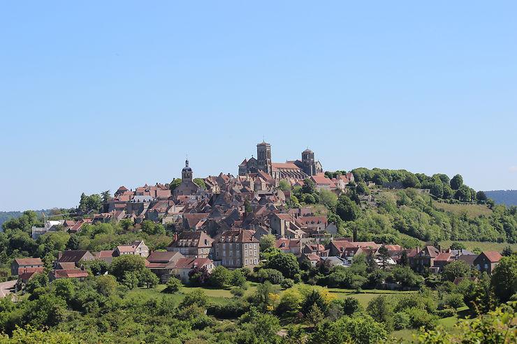 Bourgogne - GR213 A : un parcours de randonnée entre Fontenay et Vézelay