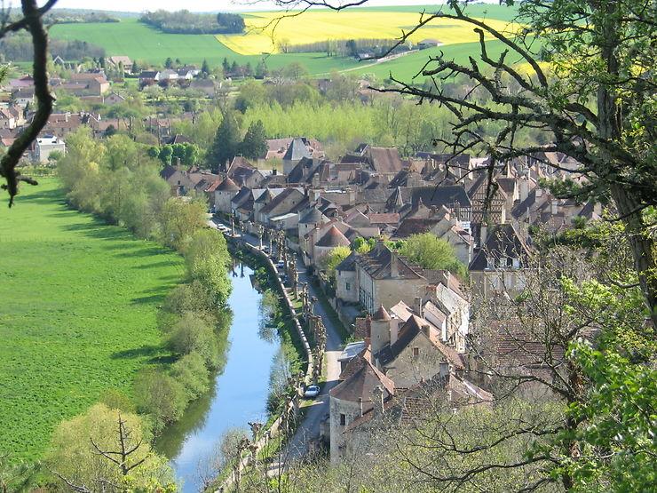 Noyers-sur-Serain (Yonne)