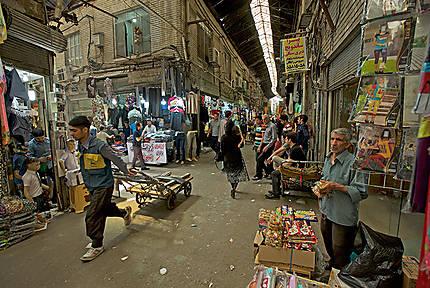 Une rue du bazar de Téhéran