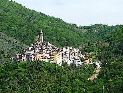 Vue sur le village de Pigna
