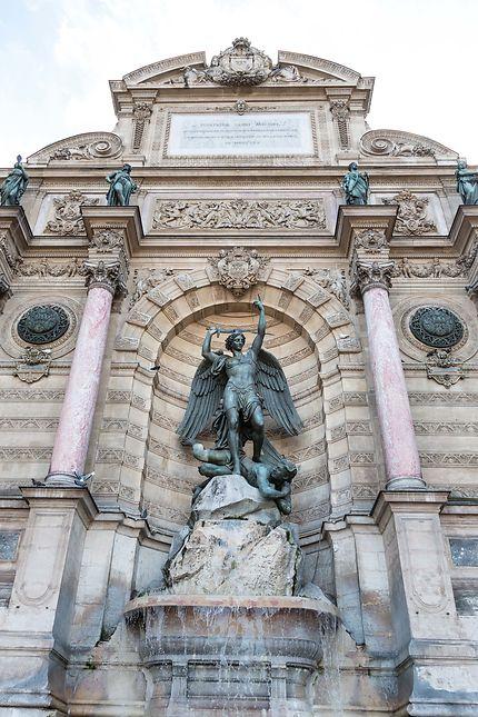 Fontaine Saint-Michel, détails