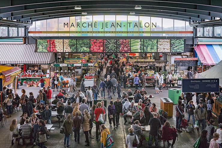 Le marché Jean-Talon, des produits du Québec et du monde entier