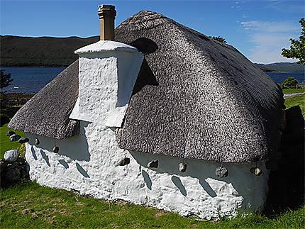 Maison toit chaume bretagne ventana blog - Maison en toit de chaume ...