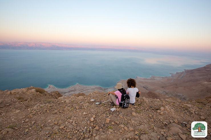 Panorama sur la Mer Morte dans la région de Rashaida