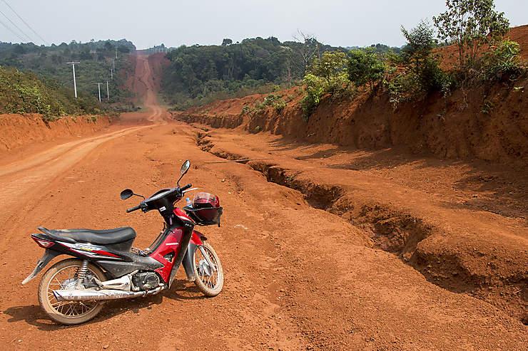 Un Laos entre Mékong et montagnes
