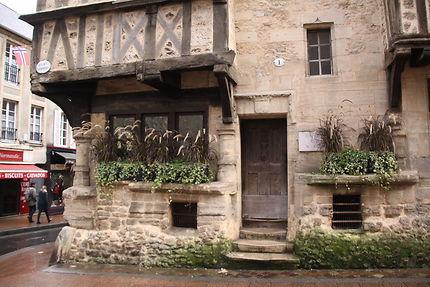 Bayeux - une des plus vieilles maisons de la ville