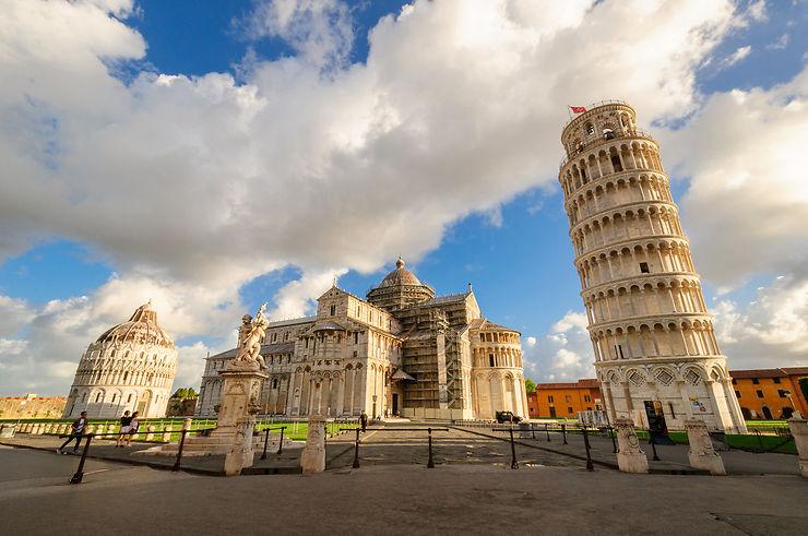 Italie: la Tour de Pise penche un tout petit peu moins