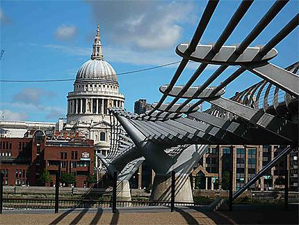 Tate britain bridge