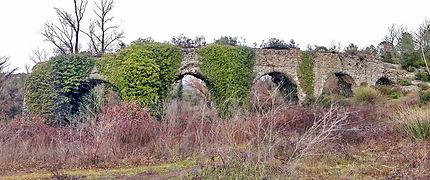 Aqueduc de Fréjus : arcs de l'Esquine