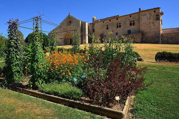 Autour de Mane, entre château, prieuré et jardins