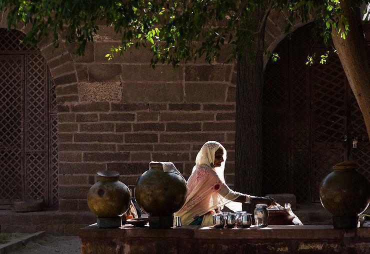 Dans l'enceinte de la forteresse de Mehrangarh, Rajasthan, par ecureuil-roux