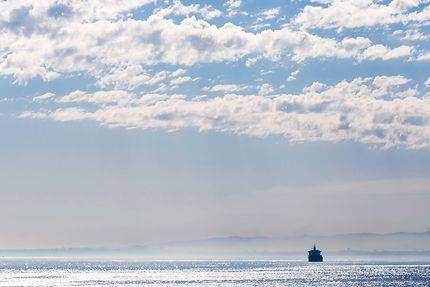 Alger - Un bateau s'en va...
