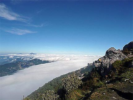 Mer de nuage au volcan Santa Maria