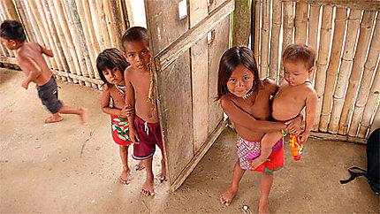 Enfants emberas