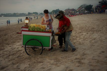 Marchand de maïs grillé