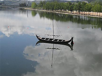 Le fleuve Mondégo à Coimbra au Portugal