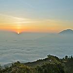 Lever du soleil au sommet du Gunung Batur