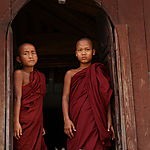 Moinillons au monastère de Shwe Yan Pyay