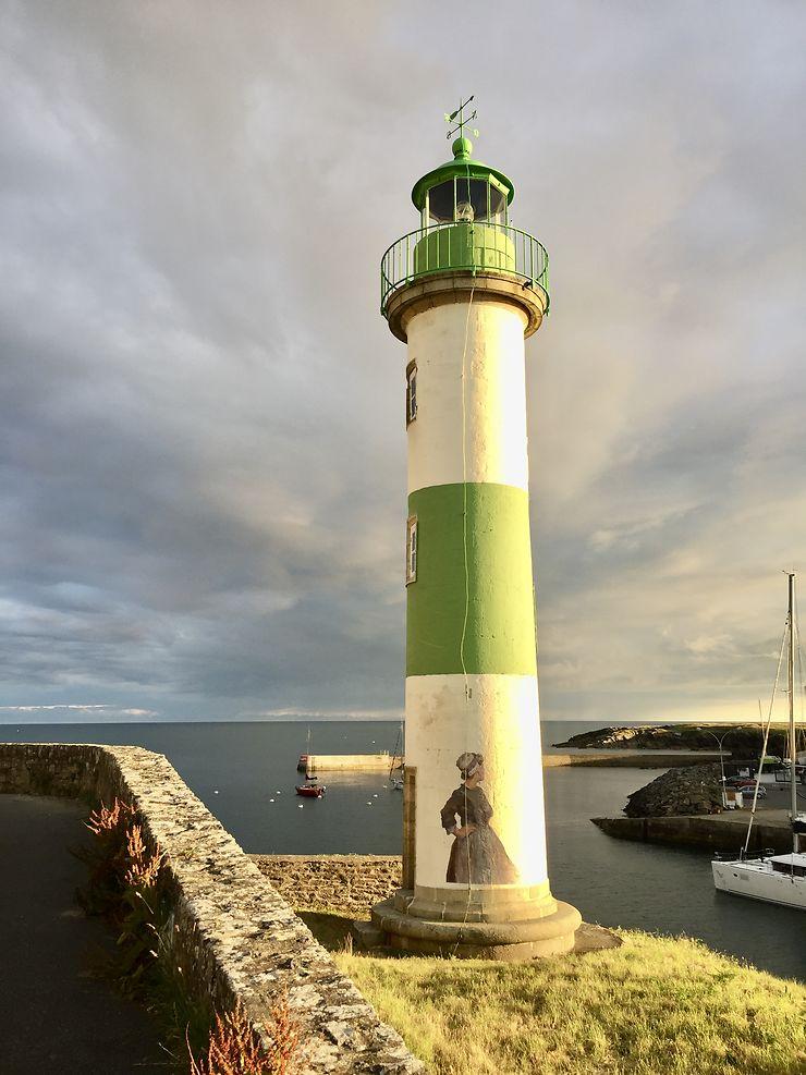 Phare au coucher de soleil à Doëlan, Finistère