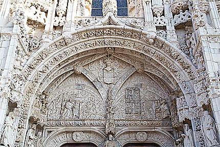 Lisbonne - Belém - Sublime fronton de l'entrée sud du Monastère