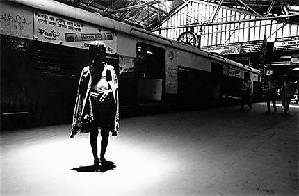 petit mendiant à la gare de Churchgate