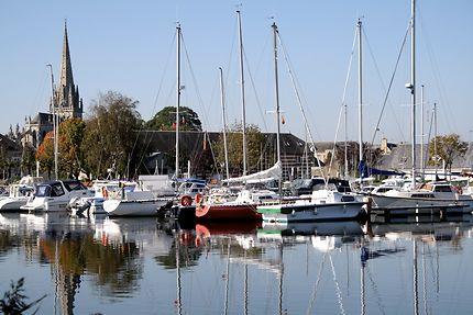 Carentan - Un port dans la ville